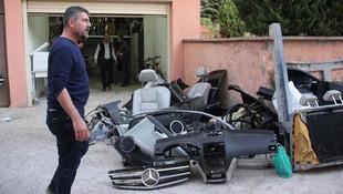Lüks otomobil parçalar halinde sahibine teslim edildi