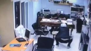 Kadıköy'de kasklı saldırgan dehşeti kamerada !