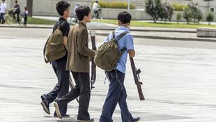 Kuzey Kore'nin askerleri böyle görüntülendi