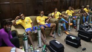 Brezilya soyunma odasında şok görüntü