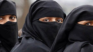 Avusturya'da burkalı genç kıza taciz