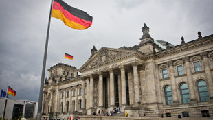 Avrupa'da deprem; İspanya'dan sonra Almanya da bölünüyor !