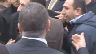 Bakan'ın korumaları ile güvenlikçiler birbirine girdi