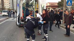 Okul önünde dehşet ! Öğrencileri bıçakladı