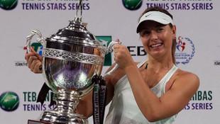 Sharapova: ''Hayallerinizin peşinden koşun''