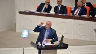 Meclis'te gergin anlar ! AK Partili Elitaş belgeleri yırttı