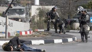İsrail askeri canlı yayında Filistinli genci vurdu