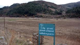 'Göle girmek yasaktır' yazıyor ama göl nerede ?