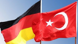 Almanya'ya 260'ı kırmızı pasaportlu 768 iltica başvurusu