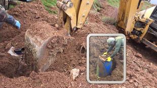 Lice'de toprağa gömülü 3 ton esrar ele geçirildi