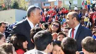 Başkan Genç Dumlupınar İlkokulu'nu ziyaret etti