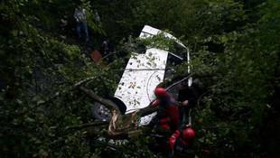 Zonguldak'ta yolcu minibüsü şarampole yuvarlandı