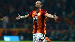 Galatasaray'ın derbi silahı Sneijder