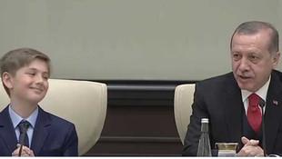 Küçük cumhurbaşkanı Erdoğan'ı güldürdü