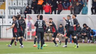 Ümraniye'de gol düellosu !