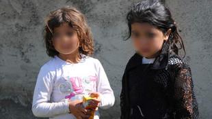 Minik kızlar anne ve babasını ölümden kurtardı