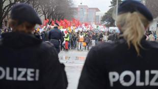 Avusturya 'evet' diyen Türklerin peşinde