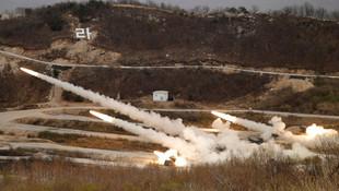 Kuzey Kore'den dev gövde gösterisi