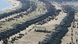 Savaş kapıda ! Kuzey Kore'den gövde gösterisi