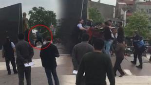 Atatürk anıtına baltayla saldırdı, linçten zor kurtuldu