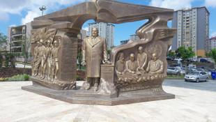 Beylikdüzü'de açılan Denktaş anıtı ortalığı karıştırdı