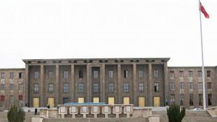 TBMM binası değişecek mi ? Meclis Başkanı yeni bina istedi