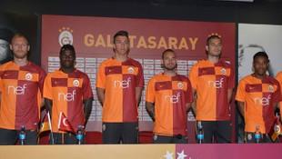 Galatasaray yeni sezon parçalı formasını tanıttı