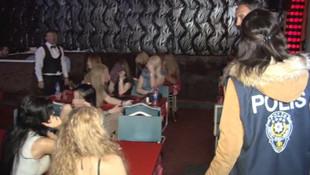 FETÖ'den aranan akademisyen barda yakalandı