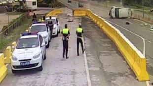 Polis noktasındaki kaza kamerada