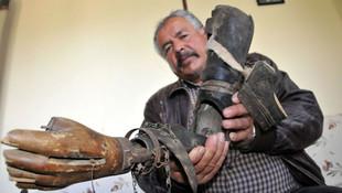 Dededen kalma asırlık protez kolu saklıyorlar