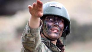 Dünyanın en zor askeri eğitiminde bir kadın...