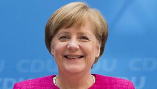 Merkel zoru başararak Almanya tarihine geçti