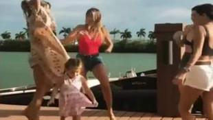 Şeyma Subaşı ve kızı Melisa'nın dansı