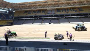 Ülker Stadyumu'nda çim serme işlemi başladı