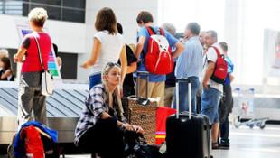 Turist gibi Türkiye'ye gelip ücretsiz tedavi oluyorlar