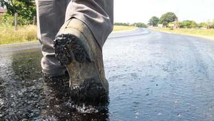 Kırklareli'nde sıcak hava asfaltı eritti