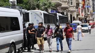 Taksim'de gerginlik, gözaltılar var