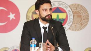 Mehmet Ekici Fenerbahçe ile sözleşme imzaladı