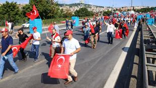 15 Temmuz Şehitler Köprüsü'nde Milli Birlik Yürüyüşü