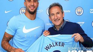 Kyle Walker rekor ücretle Manchester City'de