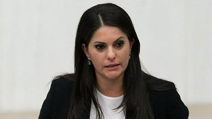 Jülide Sarıeroğlu'nun tweeti olay oldu, açıklama yaptı