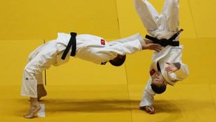 İlk madalya judo branşından