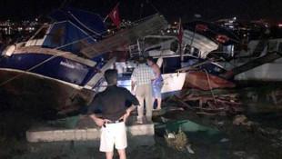 Bodrum'da deniz suyu çekildi, tekneler kıyıya vurdu