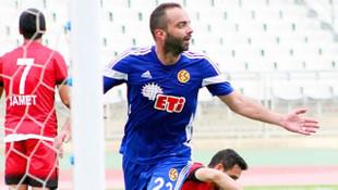 Semih Şentürk Eskişehirspor'a imzayı atıyor