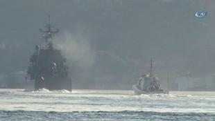 Rus savaş gemileri İstanbul Boğazından aynı anda geçti