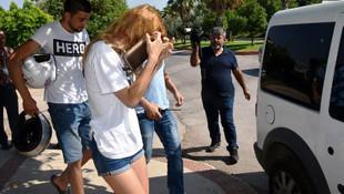 ''Hero'' tişörtü giyen sevgililer gözaltında