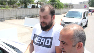 ''Hero'' tişörtüyle sınava giren kişi gözaltına alındı