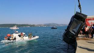 Sarıyer'de bir otomobil denize uçtu !