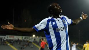 Aboubakar Porto ile 4 yıllık sözleşme yapıyor