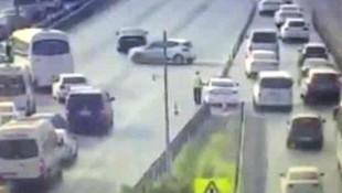 Köprüde ters dönüş yapan sürücüler kamerada